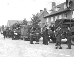 Bevrijders op het Holevoetplein.