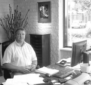 Broer Dick heeft de dagelijkse leiding over het bedrijf in Leusden en is de commerciële en financiële man binnen het bedrijf.