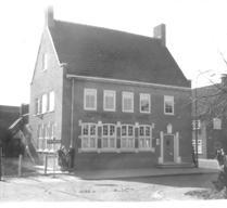 Het in 1957 gebouwde pand, dat in 1981 op haar beurt weer werd gesloopt.