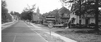 De noordelijke ingang van ons dorp via de Marktstraat in 1966.