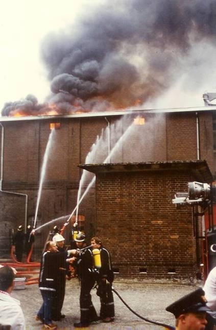 De maalderij in brand in 1985