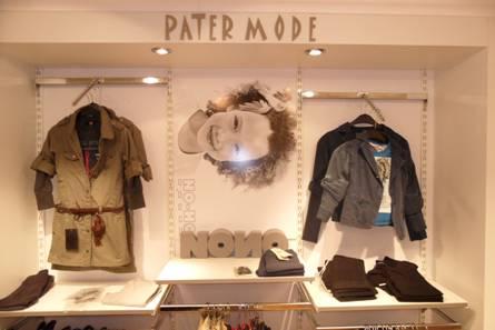 Modieuze kleding, 2011.