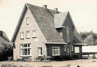 Bloemisterij en kwekerij Pluijgers aan de Vlieterweg.