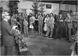 Burgemeester Heij  opent Floralia in 1975.